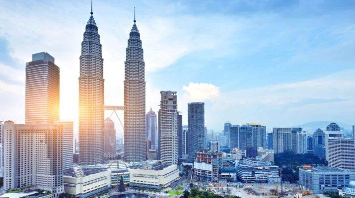 Menikmati 3 Hari 2 Malam di Malaysia